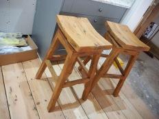 Swivel wood bar stools