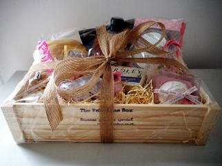 Gifts for Women UK. Gift Hampers UK.